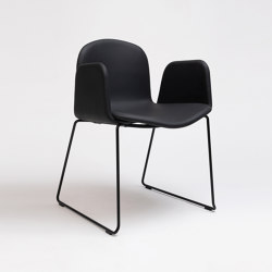 Bob XL Sled Chair With Armrests | Chairs | ONDARRETA