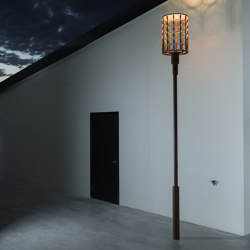 Kristinehamn Pole Top | Lámparas exteriores sobre suelo | Blond Belysning
