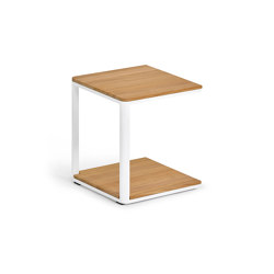 Minu Side Table 40 x 40, Teak | Side tables | Weishäupl