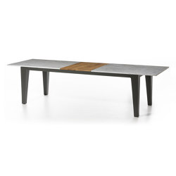 InOut 143 | 144 | Dining tables | Gervasoni
