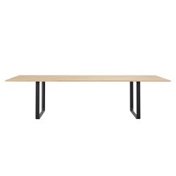 70/70 Table | 295 x 108 cm / 116 x 42.5"