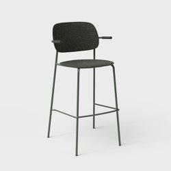 Hale PET Felt Bar Stool With Armrests | Bar stools | De Vorm