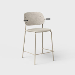 Hale PET Felt Counter Stool With Armrests Upholstered | Counter stools | De Vorm