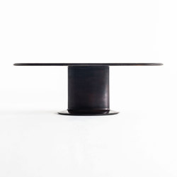 Elliptical cylinder casting bronze table | Tavoli pranzo | Time & Style