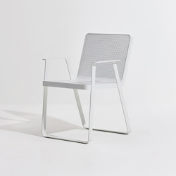 Makemake | Armrest Chair (Aluminium) | Stühle | Terraforma