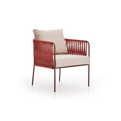 Nido Hand-woven low armchair | Chairs | Expormim