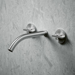 Valvola01 | Wall mounted set of 2 individual taps with spout | Bath taps | Quadrodesign