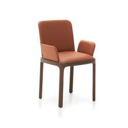 Inari Chair with armrests | Chairs | Pianca