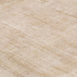 Mark 2 Viscose champagne | Rugs | kymo