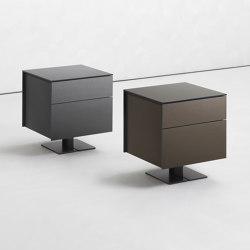 Juta beside table | Tables de chevet | Flou
