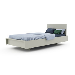 Flai bed with headboard lacquered in 20 standard colours | Beds | Müller small living