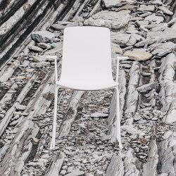 Stuhl Lottus High mit Kufengestell | Stühle | ENEA