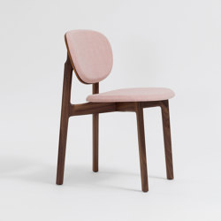 Zenso Fully upholstered seat and padded back | Chairs | Zeitraum