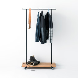 Oak 01 Clothes Rack | Appendiabiti | weld & co