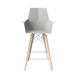 Faz wood counter stool with arms | Tabourets de bar | Vondom