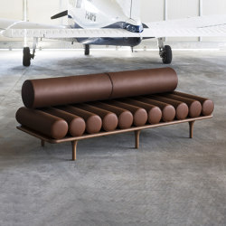 Five to Nine Daybed With Linear Backrest | Lettini / Lounger | Tacchini Italia