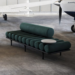 Five to Nine Daybed With Backrest And Cement Right Table | Lettini / Lounger | Tacchini Italia