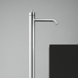 Q | Free-standing mixer for washbasin. | Wash basin taps | Quadrodesign