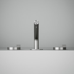 Q | Three-hole mixer with swivelling spout. | Bath taps | Quadrodesign