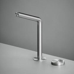 Q | Two-hole hydroprogressive mixer with swivelling spout. | Bath taps | Quadrodesign