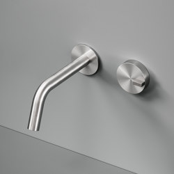 Q | Wall mounted hydroprogressive mixer with spout. | Bath taps | Quadrodesign