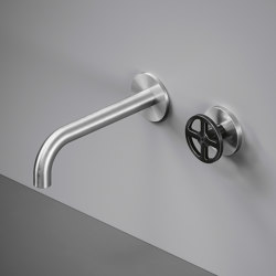 Valvola02   Wall mounted hydroprogressive mixer with spout   Bath taps   Quadrodesign