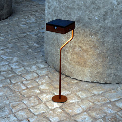 SOLAR pathway light | TEE round base | Outdoor floor-mounted lights | LYX Luminaires