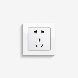 E2 CH | Socket outlet Pure white glossy | Chinese sockets | Gira