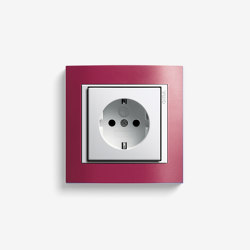 Event | Socket outlet Opaque red | Schuko sockets | Gira