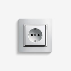 Event | Socket outlet Opaque white | Schuko sockets | Gira