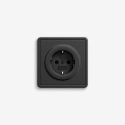 S-Color | Socket outlet Black | Enchufes Schuko | Gira