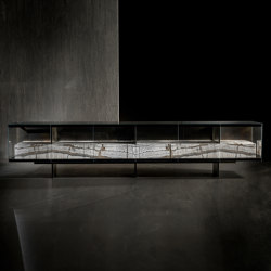 Teke | Display cabinets | HENGE