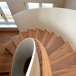 Modern folded stairs in a private home in Wiesbaden | Staircase systems | MetallArt Treppen