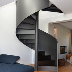Stylish newel stairs for a private residence | Staircase systems | MetallArt Treppen