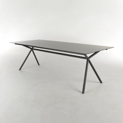 Aiven | Dining tables | Bert Plantagie