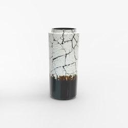 Makino eggshell and black urushi vases | Vases | Hiyoshiya