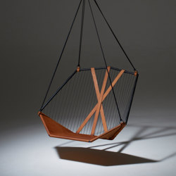 Sling Hanging Chair - Angular | Columpios | Studio Stirling