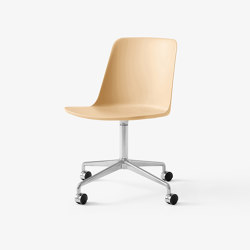 Rely HW21 Polished Alluminium w. Beige Sand | Chairs | &TRADITION