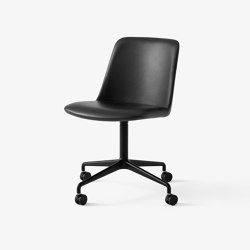 Rely HW23 Black w. Black Silk Leather | Chairs | &TRADITION