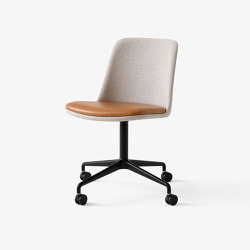 Rely HW25 Black w. Ruskin Elk & Cognac Leather | Chairs | &TRADITION