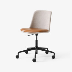Rely HW32 Black w. Ruskin Elk 05 Congac Silk Leather | Chairs | &TRADITION