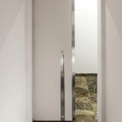 Vela | The sliding safety door | Entrance doors | Oikos – Architetture d'ingresso