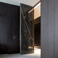 Project | Interior safety door with concealed hinges | Internal doors | Oikos – Architetture d'ingresso