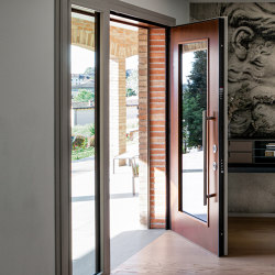 Evolution | The safety door with exposed hinges that meets any request for customization. | Entrance doors | Oikos – Architetture d'ingresso