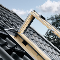 VELUX side-hung roof exit window GXL | Window types | VELUX Group