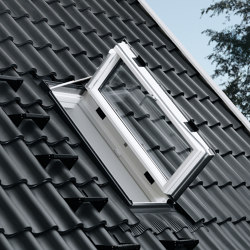 VELUX side-hung roof exit window GXU | Window types | VELUX Group