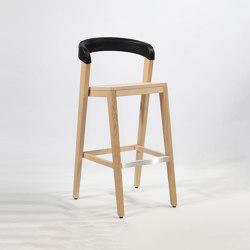 Play Barstool - Upholstered back - Oak natural | Bar stools | Wildspirit