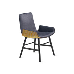 Amelie | Armchair Low mit Holzzarge umlaufend | Stühle | FREIFRAU MANUFAKTUR
