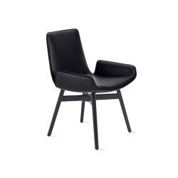Amelie | Armchair Low mit Holz mit Kreuzzarge | Stühle | FREIFRAU MANUFAKTUR