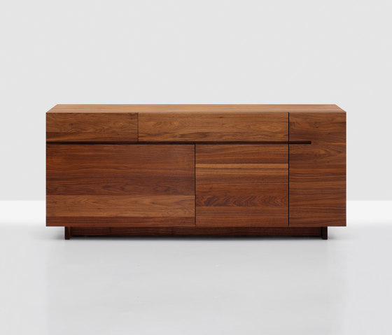 Side by Zeitraum | Sideboards